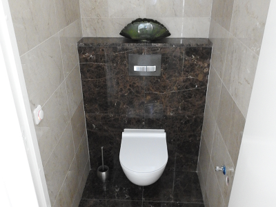 marmeren toilet