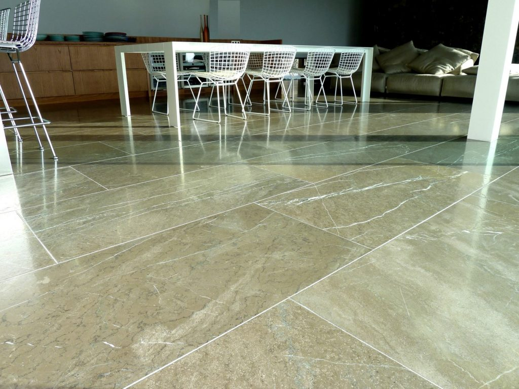 Marmer In Woonkamer : Natuursteen in de woonkamer al va. u20ac39 p m2